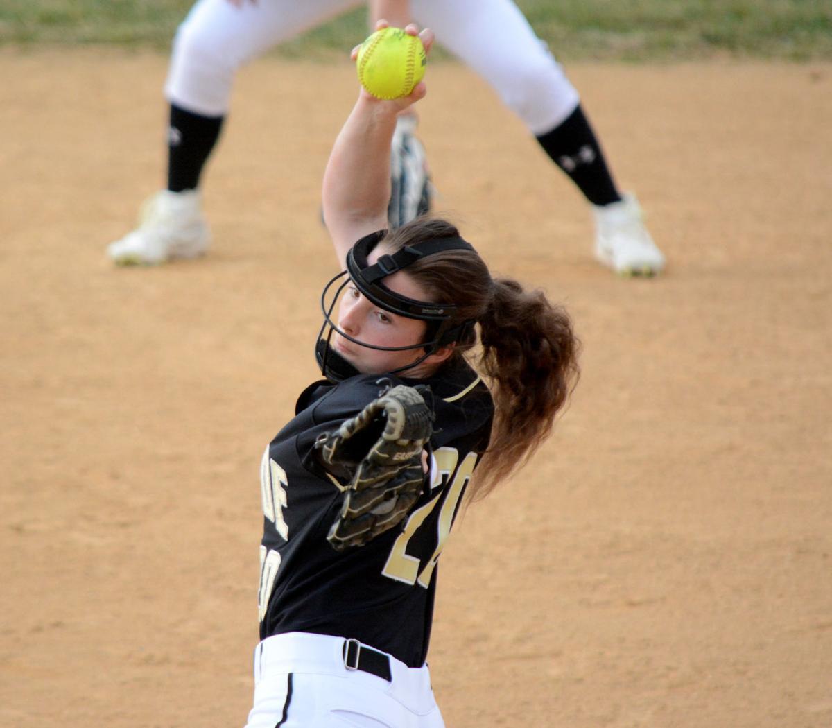 Joslynne Freyer pitching
