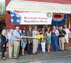 County Republicans open headquarters