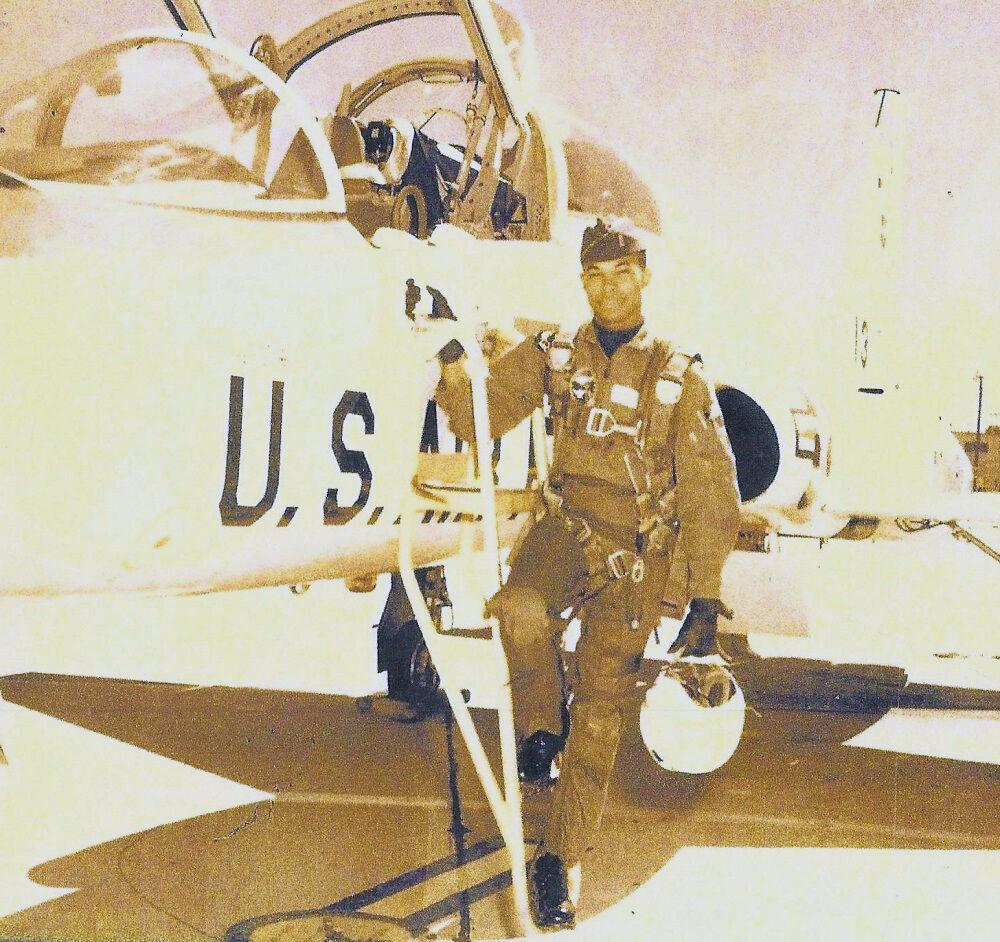 Vietnam vet Carl Gamble 2 Air Force pilot.jpg