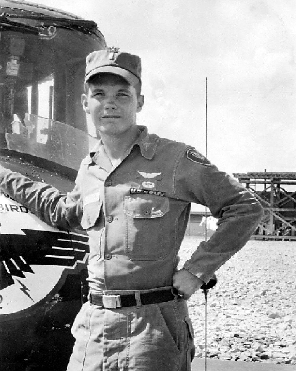 Vietnam vet Bob Stewart 2 in Nam.jpg