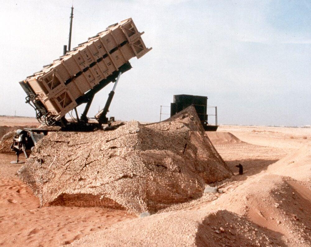 Gulf War overview 1 Patriot in sand.jpg