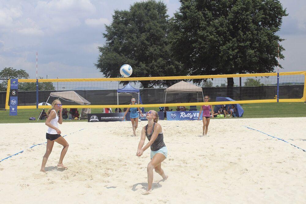 Volleyball 2 girls game.jpg