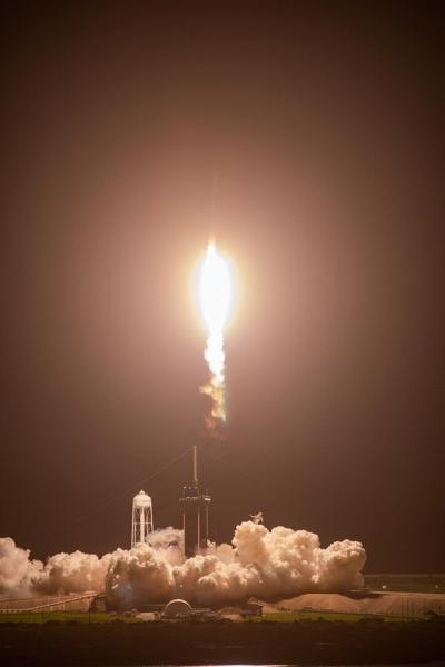 SpaceX CRS-23 Liftoff
