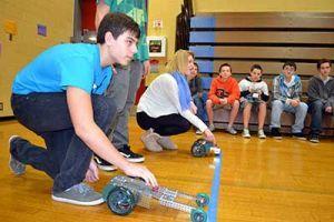 Students In Ridgefield S Stem Program Design Build And Race