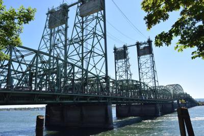 200812.news.I-5.bridge.rb.3.JPG