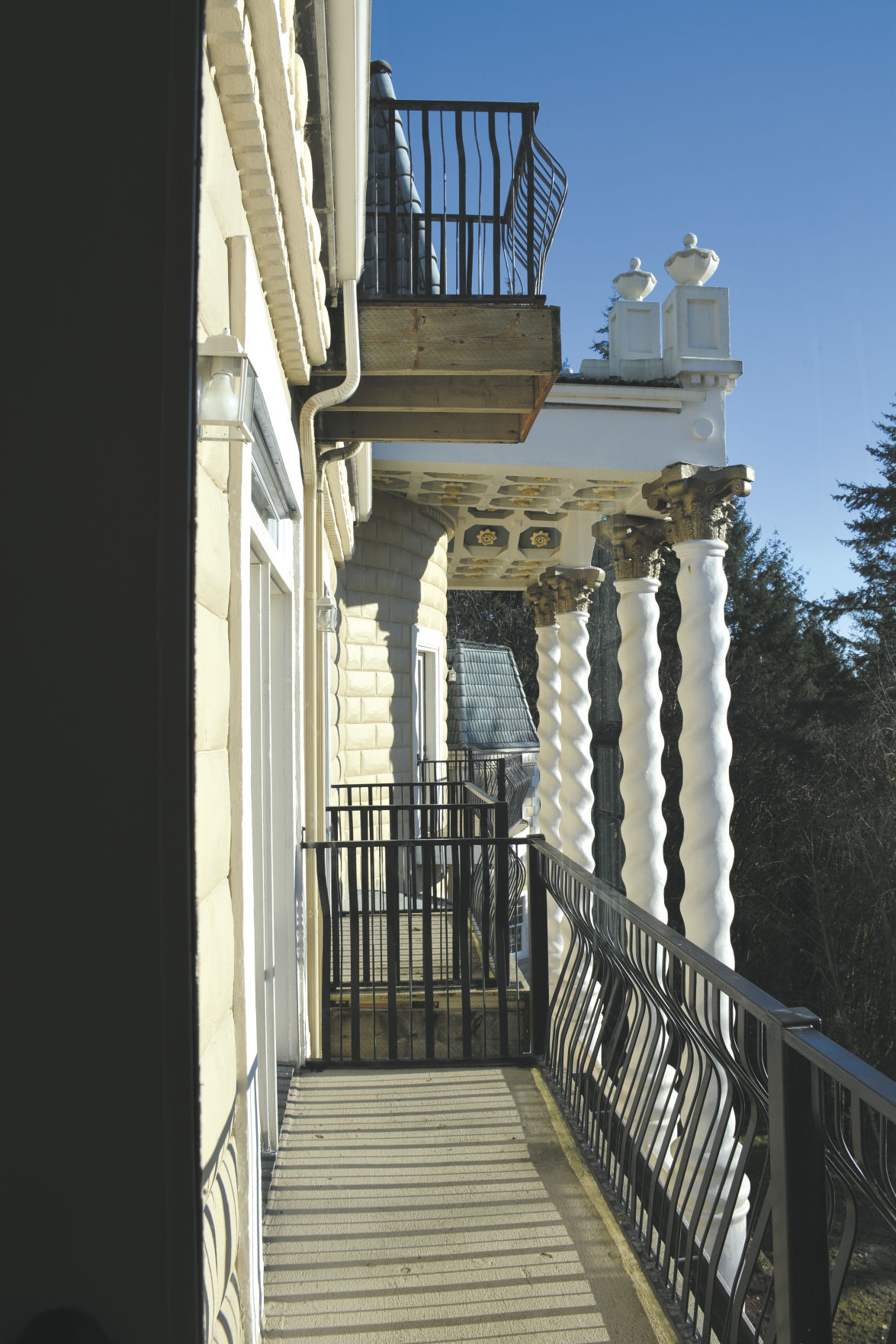 The Empress Estate Offers A Venue For Weddings As Well Bed And Breakfast Suites