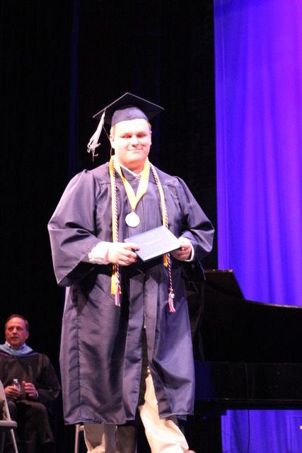 Valedictorian Josiah Thulin