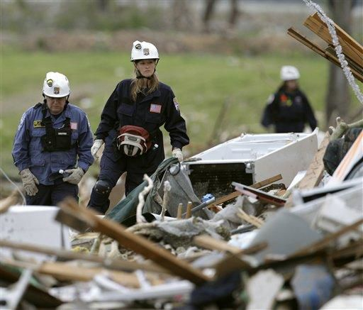 Rescue and relief descend on Joplin, Mo.