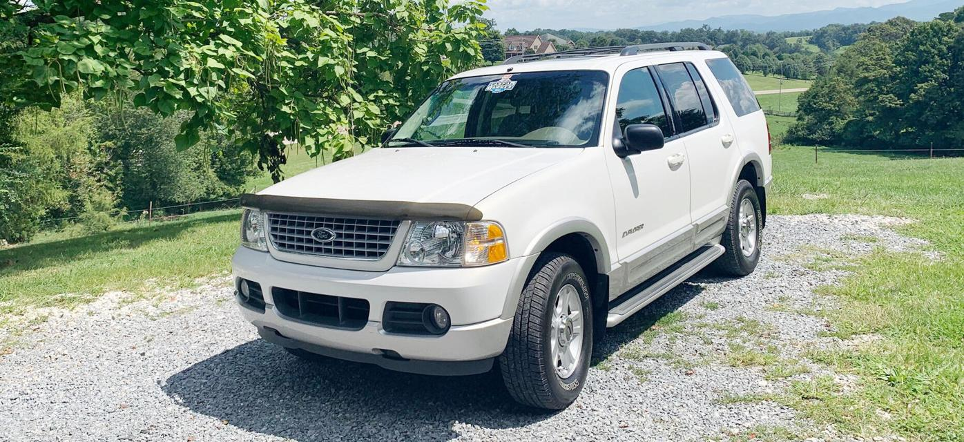 2002 Ford Explorer, 1 owner, local & loaded, leather, clean