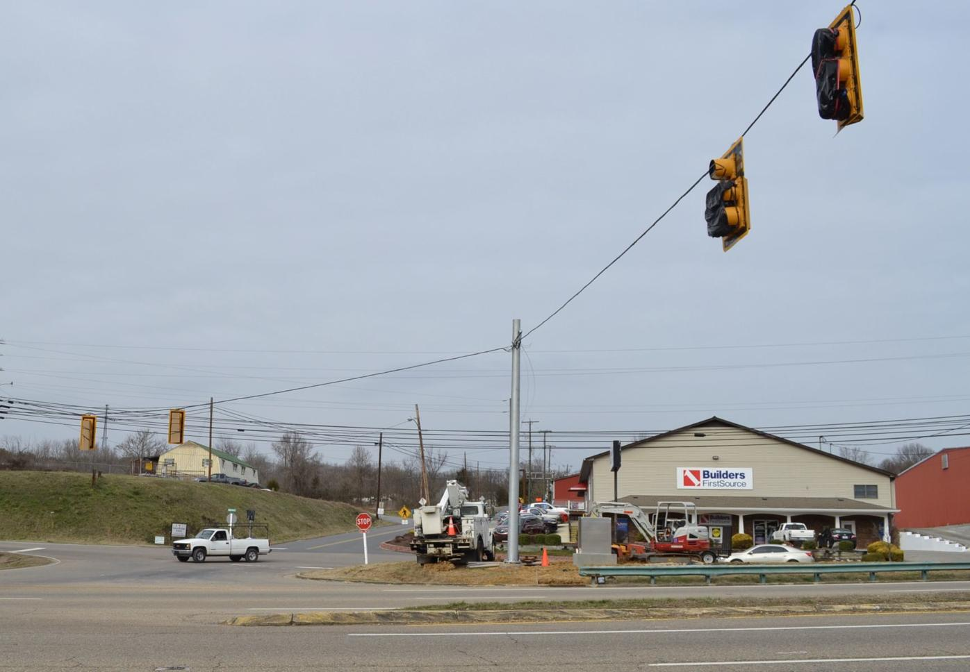 Mount Carmel gets new traffic light at intersection of 11W and Englewood