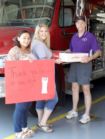 Cash Express honors First Responders