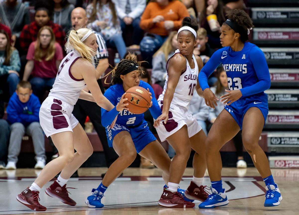 Memphis Tigers pounce on Southern Illinois in 70-66 win