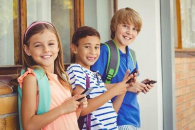 France Is Banning Mobile Phones From All Schools