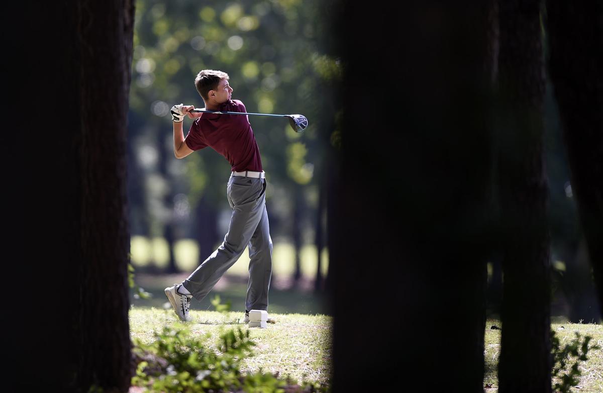 092718-spt-bdc-golf-barbre-1.jpg