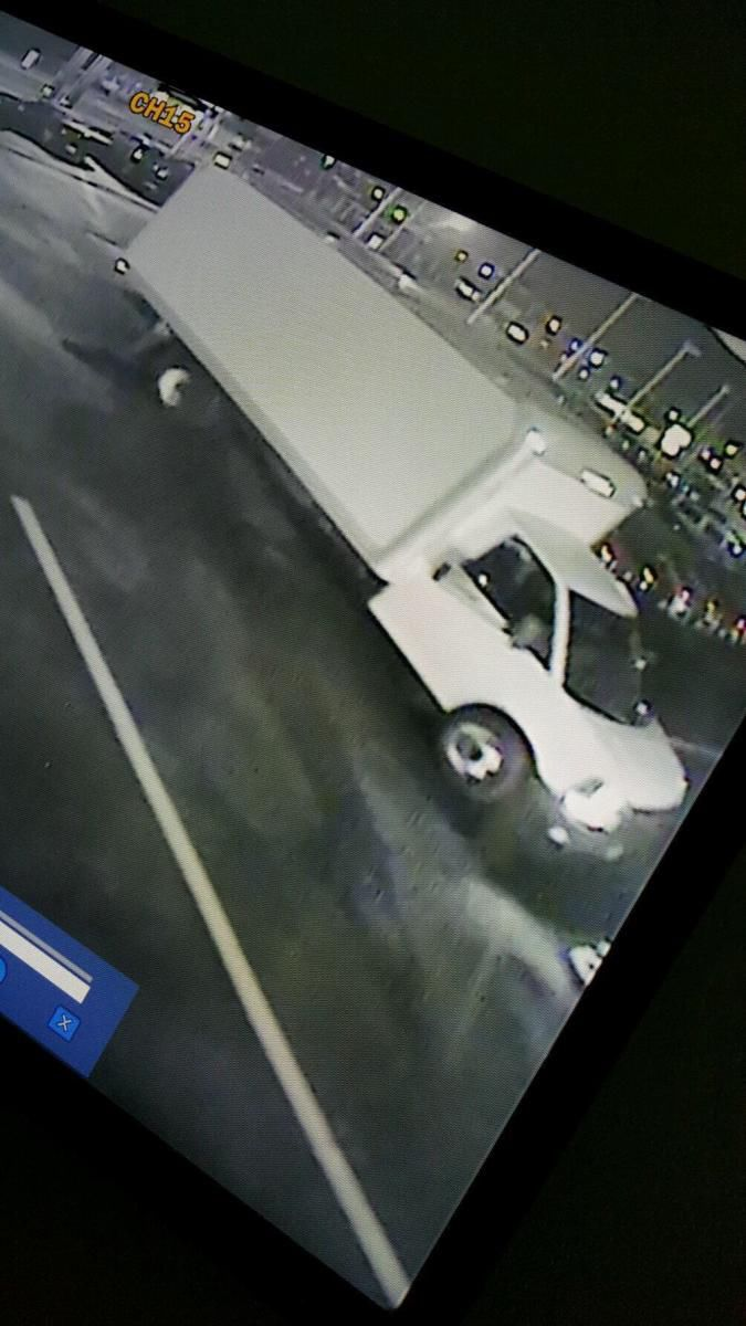 Car Dealerships In Carbondale Il >> Update: Carbondale police seek help identifying car involved in auto dealership tire, rim thefts ...