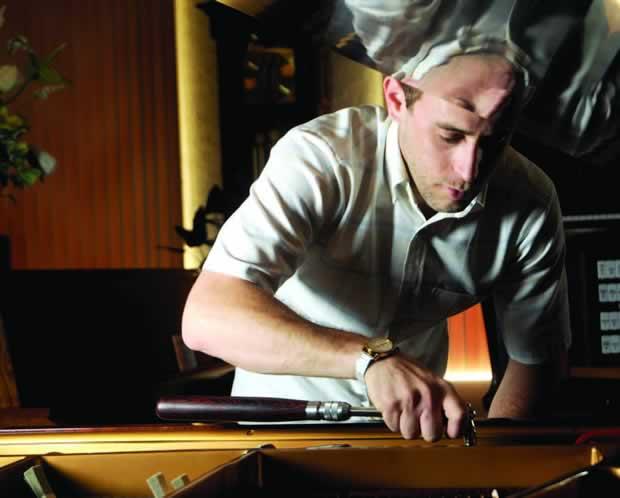 PIANO MAN Dan Mattingly