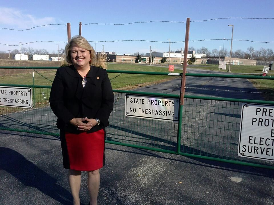 Rep. Terri Bryant at the former Illinois Youth Center in Murphysboro