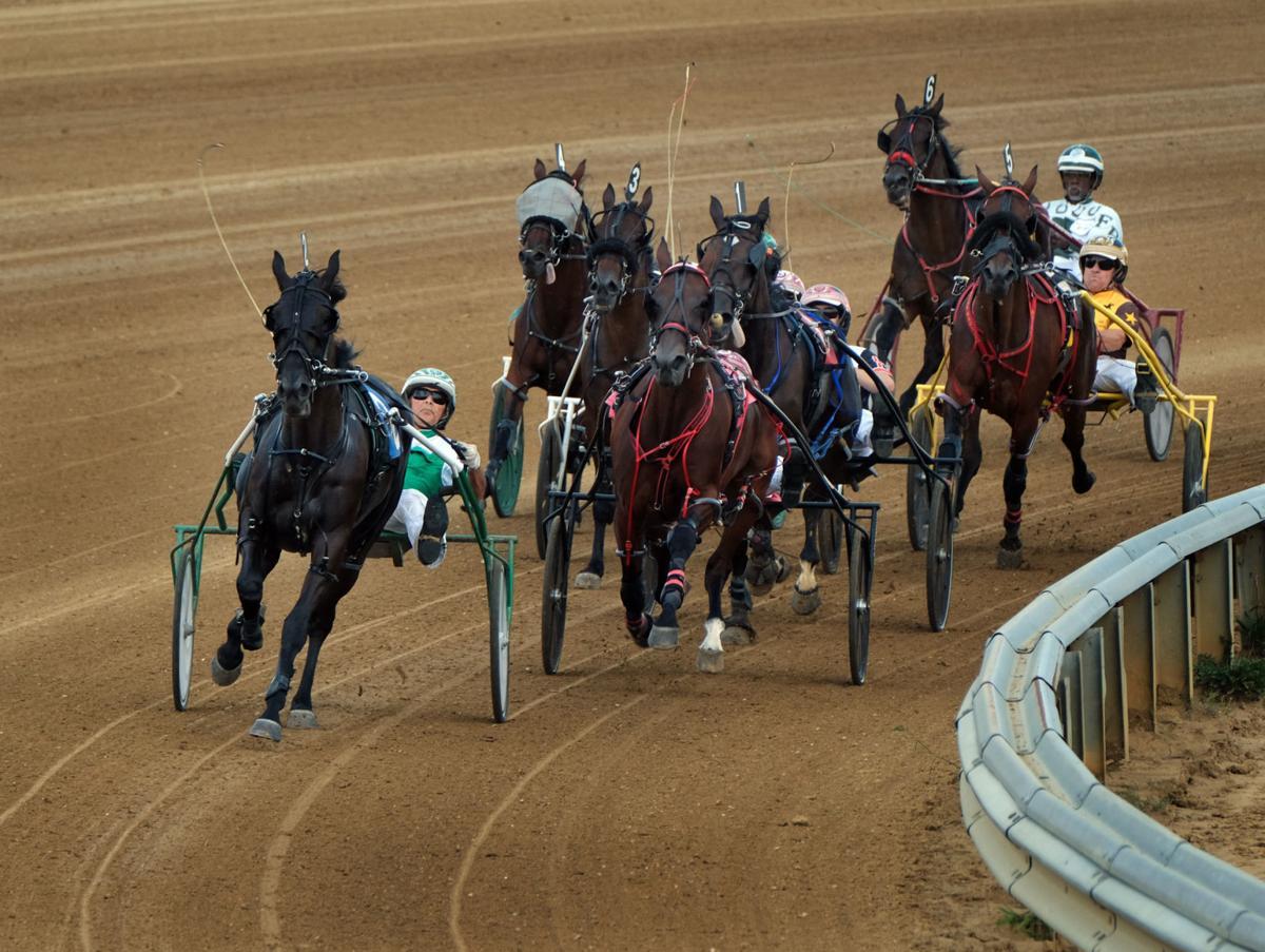 083017-nws-harness-racing-3.jpg