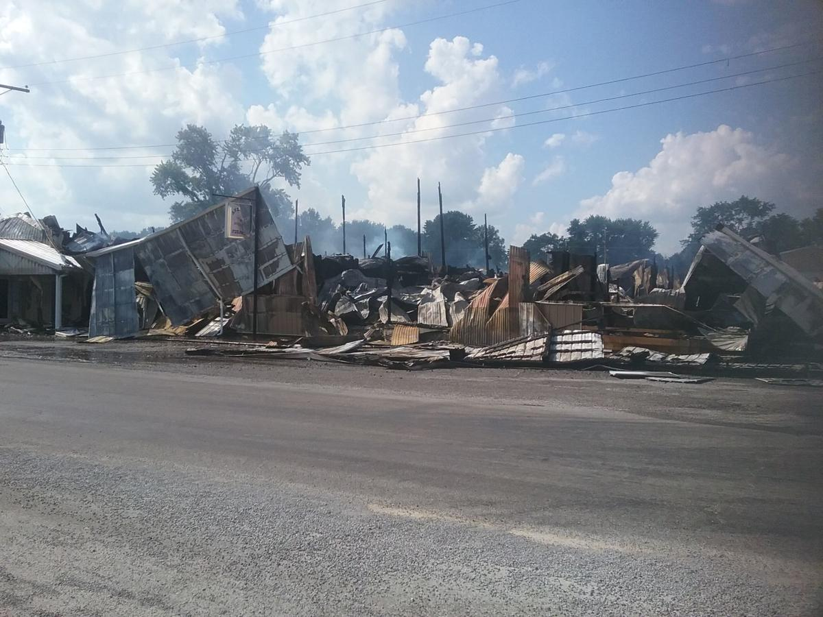 Fire Destroys Anderson S Warehouse Furniture In Pittsburg