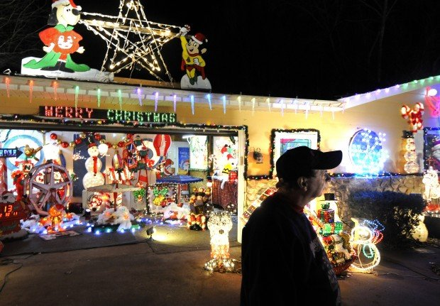 Frankfort Christmas Lights 2021 Candy Cane Lane A Popular Holiday Destination Local News Thesouthern Com