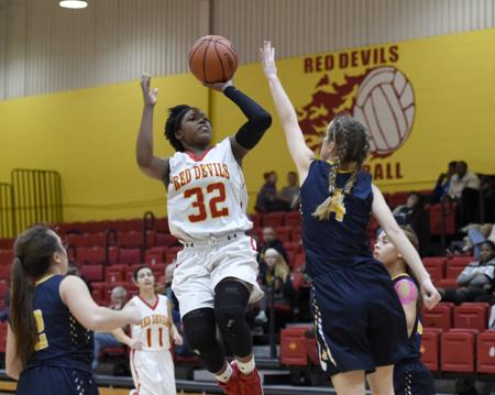 Girls Basketball | Walker scores 27 to lead Murphysboro past Marion - Please turn images on