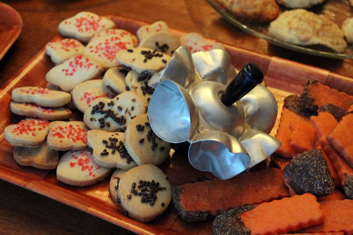 Taste Cookies For Santa Little Elves Help Out With A Cookie