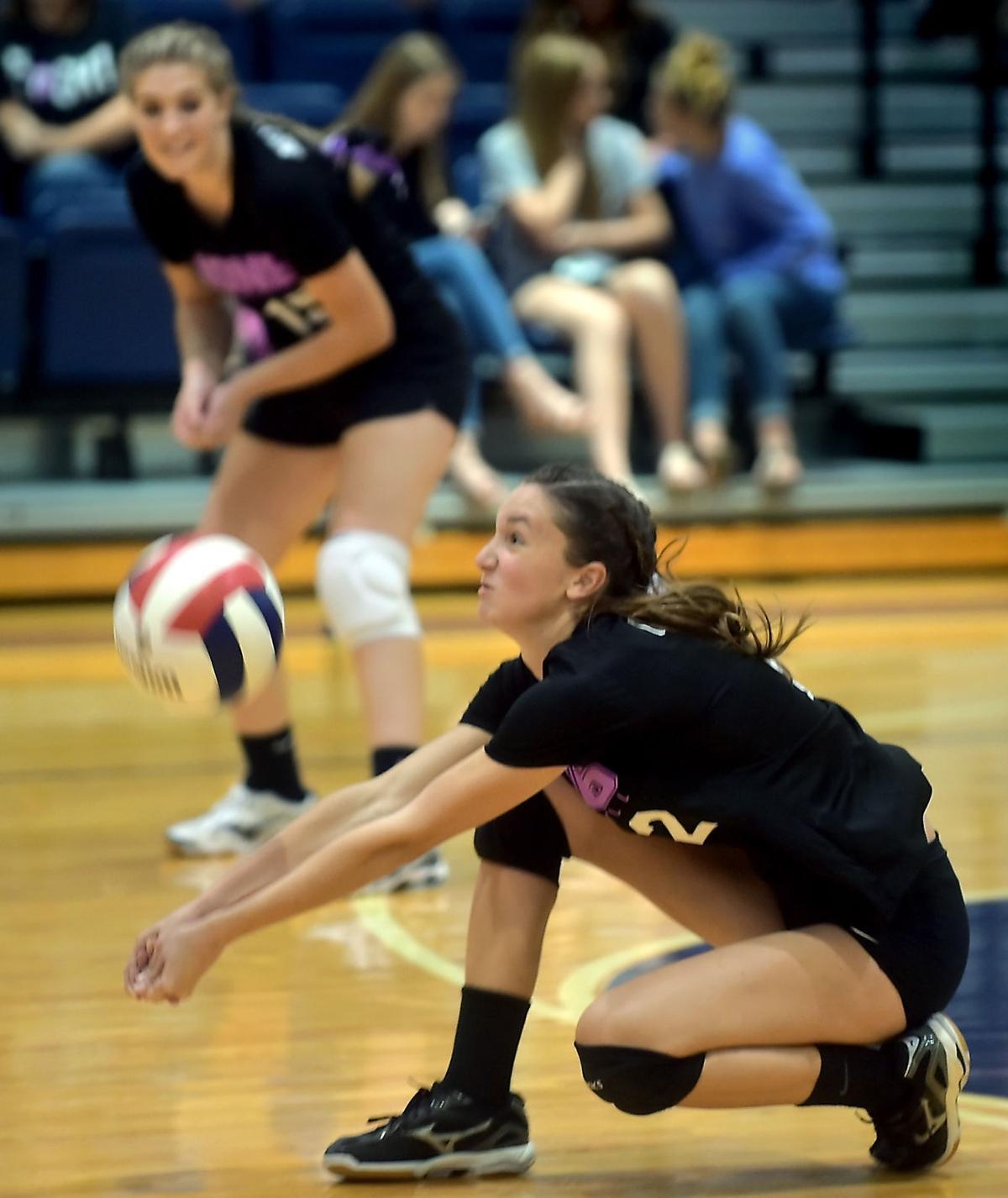 Carterville Volleyball Hosts Nashville