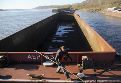 Drought threatens to close Mississippi to barges | State