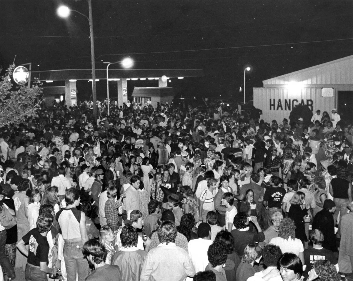 siu-halloween-crowd-1984.jpg (copy)