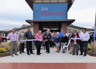 SIH, Marion chamber host ribbon cutting at new urgent care work care clinic