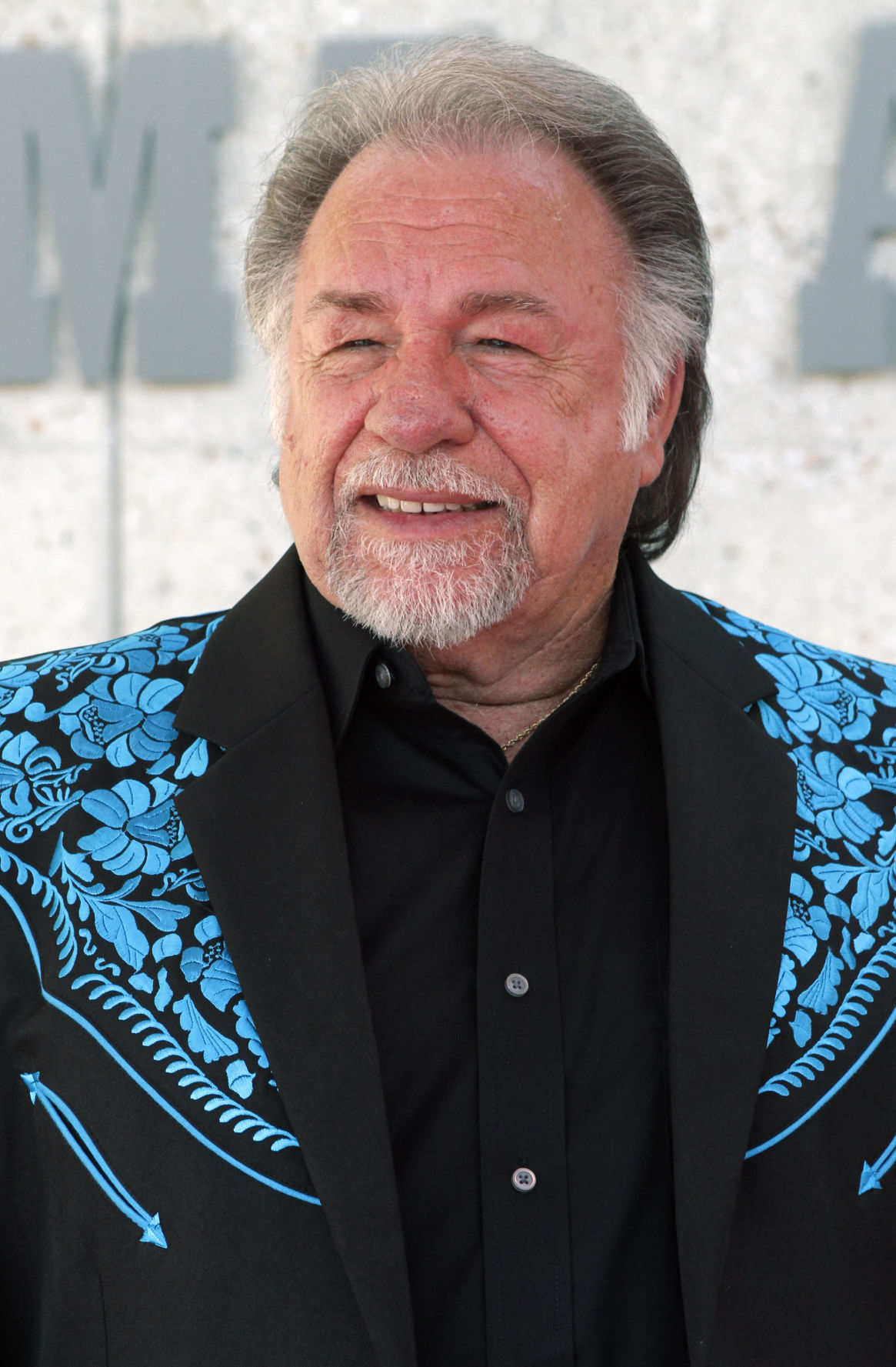 traditional country vocalist gene watson to perform in marion