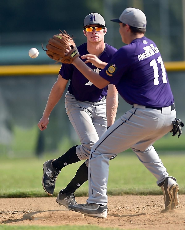 Harrisburg Advances Past Herrin In Legion Tourney Baseball Thesouthern Com