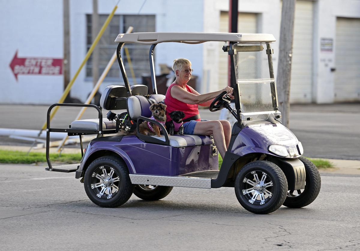 080115-nws-golf-carts-4.jpg