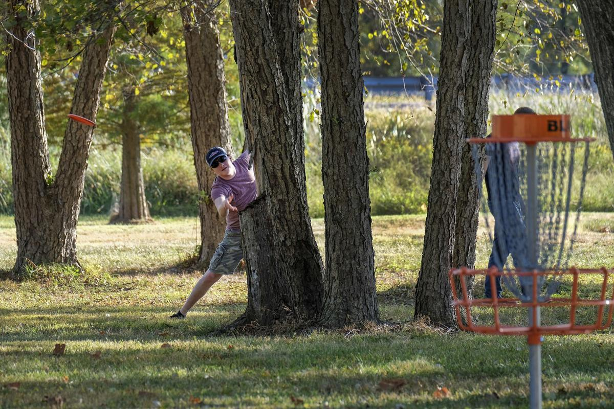 Disc Golf Fever New Course At John A Logan College Part Of A Regional Trend Local News Thesouthern Com
