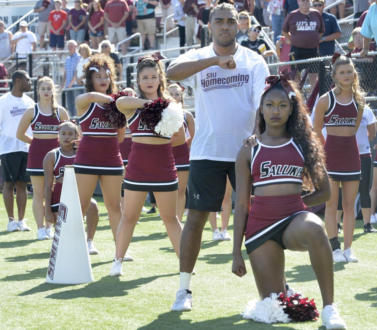 101517-nws-cheerleaders-1.jpg