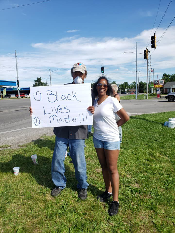 1 man with a 'Black Lives Matter' sign spurs 20-person demonstration in Du Quoin Saturday