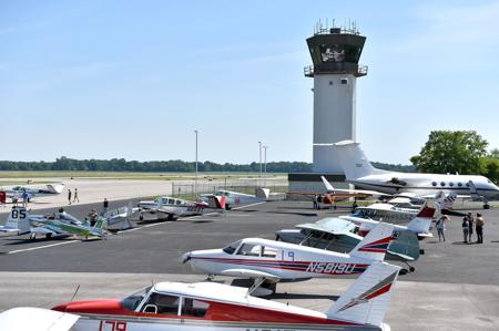 Flying high: Aviation industry a huge lift for Southern Illinois' economy - Please turn images on