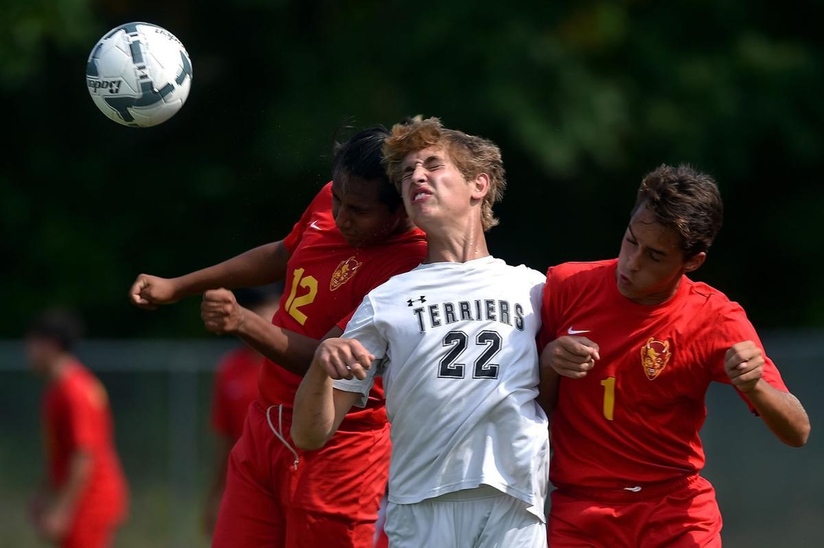 Prep Soccer: Carbondale defeats Murphysboro