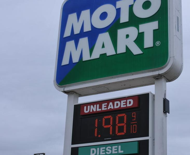 Gas prices dropping below $2 by shopping season