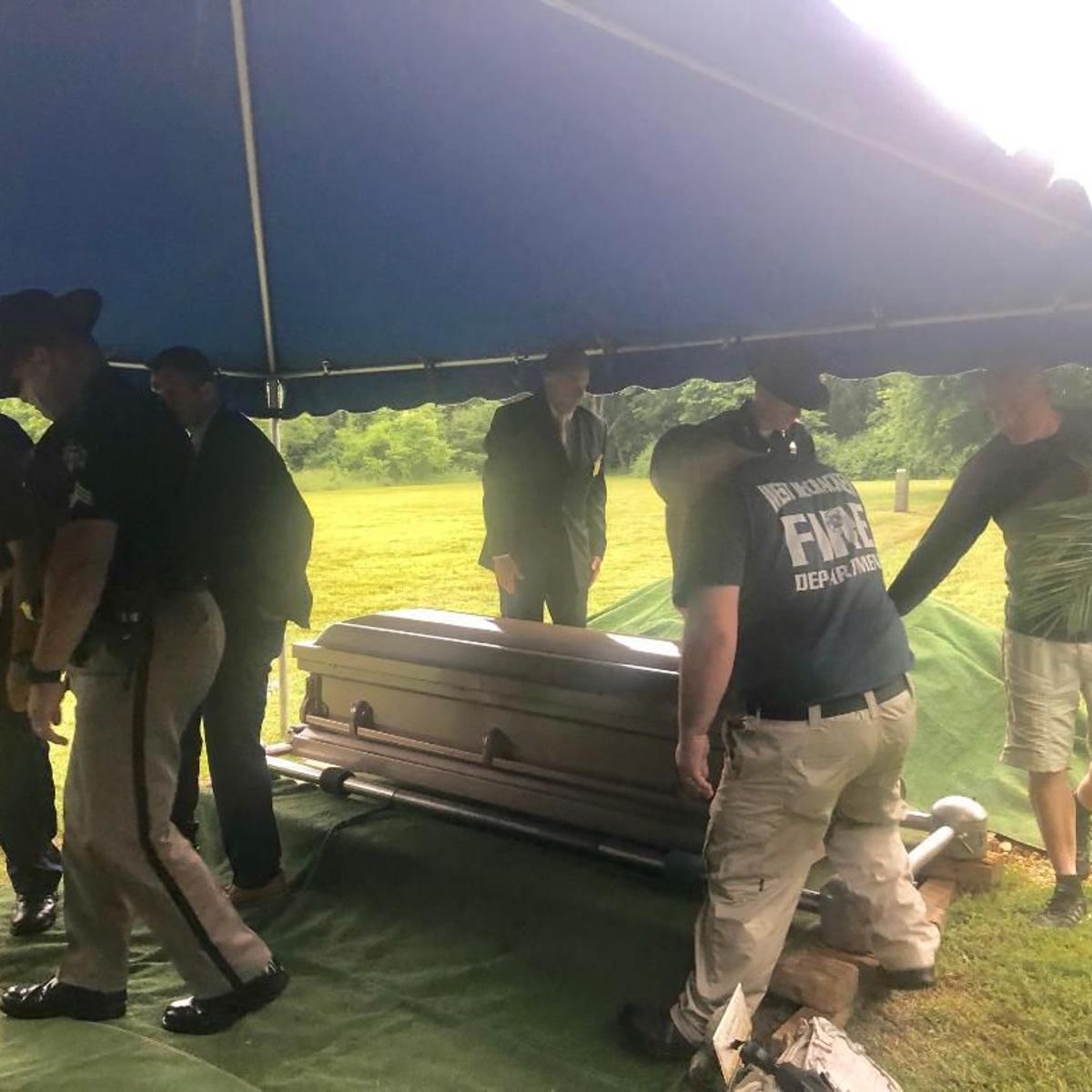 Unidentified man found in Ohio River was buried Wednesday