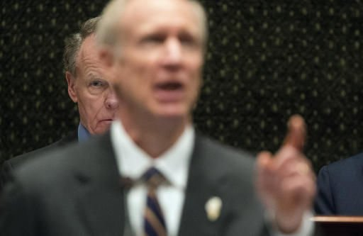 Illinois Senate skips planned budget vote, returns Thursday
