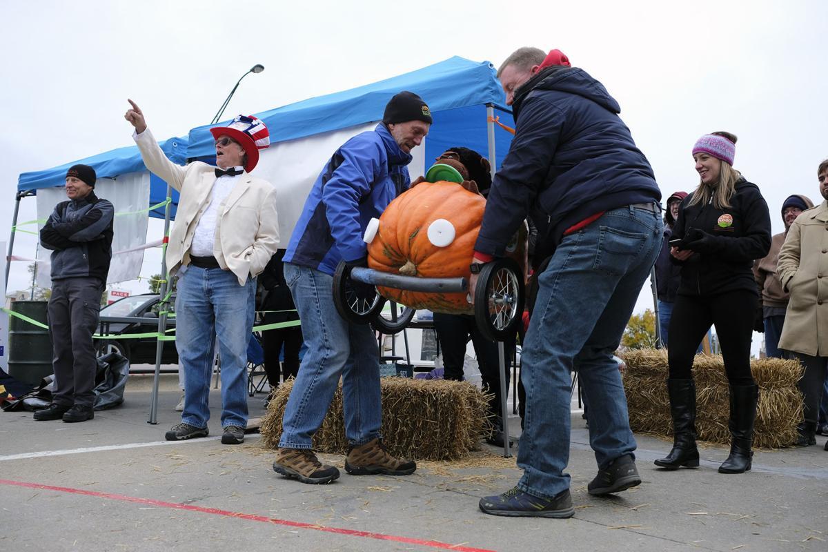 103017-nws-pumpkin-race7.jpg