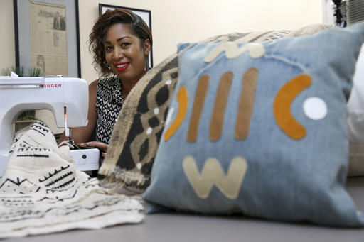 Some black business owners strain to sell to black consumers