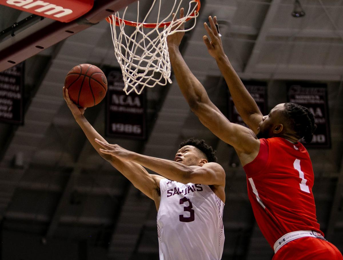 Siu Men S Basketball Salukis Score 42 Second Half Points But