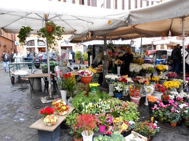 ROME 3 market flowers.jpg