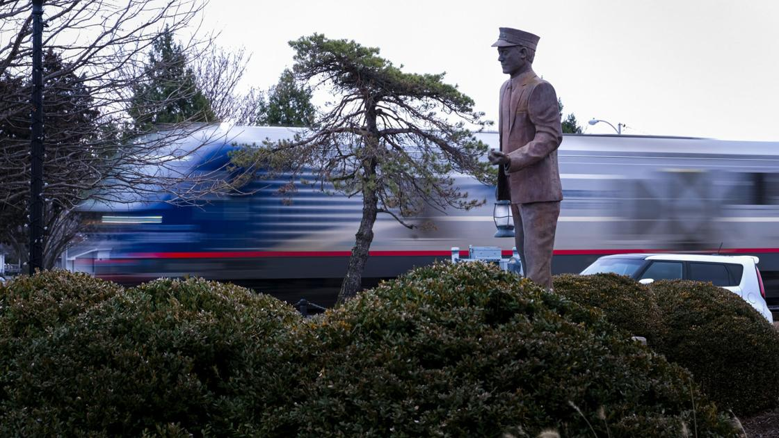 A proposed railroad merger's potential impact on Southern Illinois transit