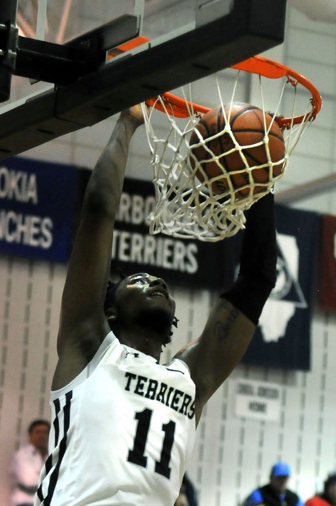 Prep boys basketball: Carbondale defeats Althoff Catholic