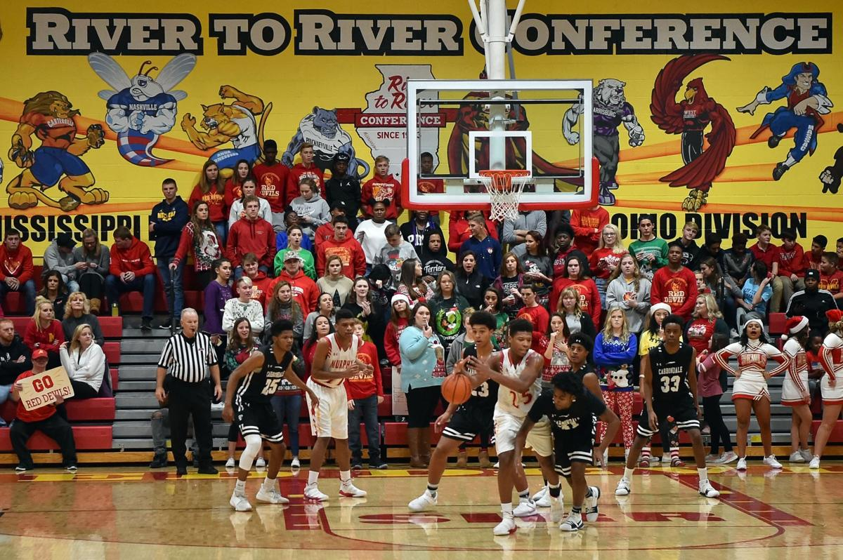 Boys prep basketball: Carbondale defeats Murphysboro