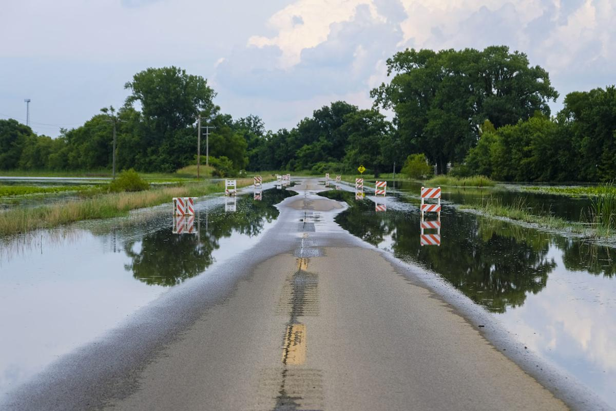 High water covers Illinois 3