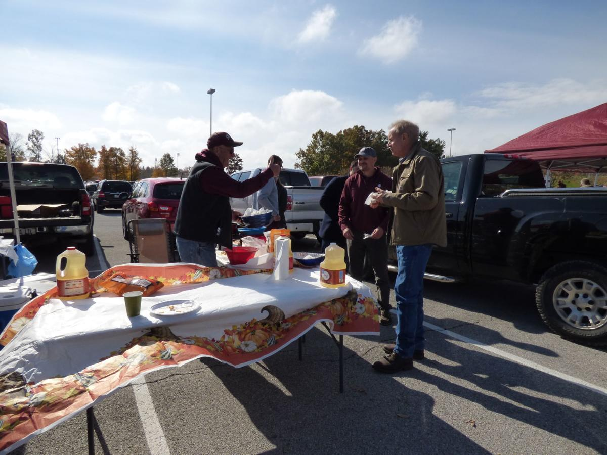 Governor, Lt. Governor stop by Saluki Tailgate